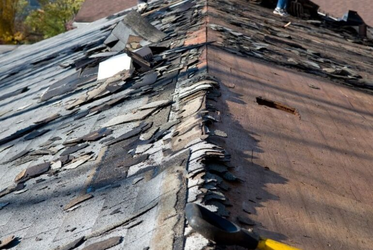 Here's What You Should Do if you Have a Sagging Roof in Dearborn Michigan